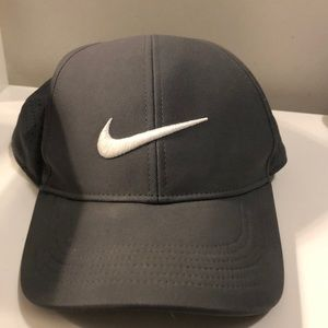 Nike hat - adjustable